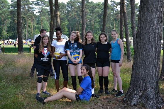 Die U18-Mädchen vor Beginn des Turniers